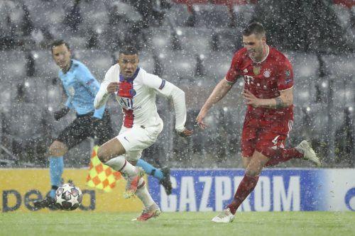Ein Laufduell von Kylian Mbappé gegen den später verletzt ausgeschiedenen Niklas Süle. Der Franzose war mit zwei Treffern Matchwinner für Paris St. Germain.ap