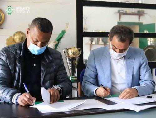 Erst am 13. April hatte Lassaad Chabbi den Vertrag unterschrieben.VN