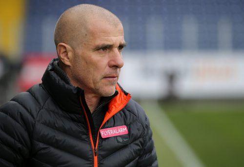 Ex-Altach-Trainer Klaus Schmidt soll die Admira vor dem Absturz bewahren.gepa
