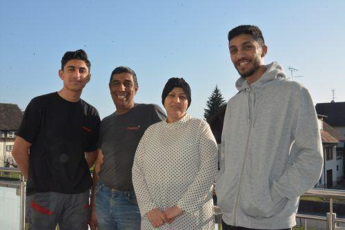 Familie Jouma aus Syrien geht's gut in Lustenau. Adham (18), Arif (49), Aliya (52) und Mohammed (23) erzählen von ihrem neuen Leben.bvs (3)