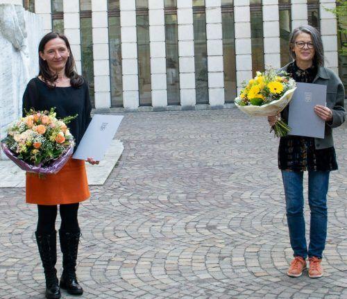 Feier mit Abstand: Petra Pellini-Forcher und Ingrid Maria Kloser. Nina bröll, vlk