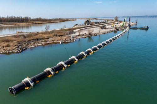 Für den Einbau des Notüberlaufs wurden neue Rohrleitungen verlegt.stiplovsek