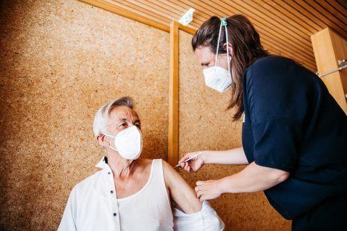 Ein Großteil der Menschen weltweit ist noch nicht gegen das Coronavirus geimpft. VN