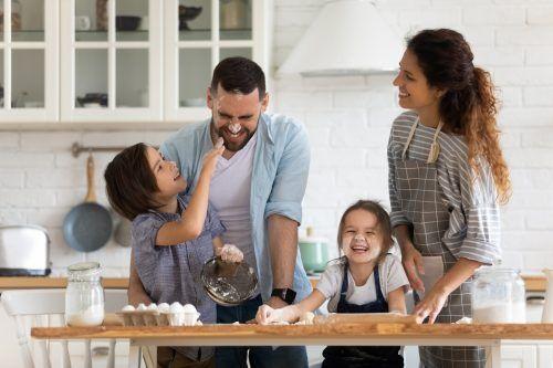 Gleichberechtigte Elternschaft könnte die Lösung sein.Shutterstock
