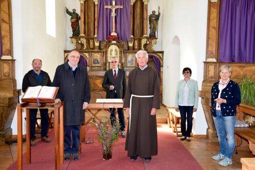 Hans Tinkhauser, Engelbert Bacher (vorne) sowie Roland Düngler, Werner Ganahl, Anni Loos und Erika Scheibenstock (hinten).Scopoli