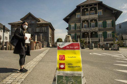 Im Bregenzerwald gilt auf öffentlichen Plätzen bereits Maskenpflicht.VN/Paulitsch