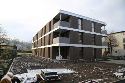 Im Sommer sollen die insgesamt 25 Wohnungen in der Egelseestraße fertig sein.