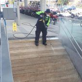 Großes Saubermachen an den Bahnhöfen