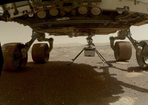 """""""Ingenuity"""" wurde auf der Mars-Oberfläche abgesetzt. apa"""