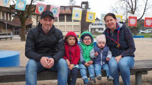 Jürgen und Nadine mit den Kindern Julia, Maximilian und Valentin. EGLE