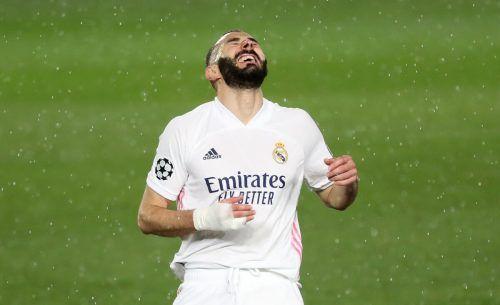 Karim Benzema bejubelt seinen Treffer für Real zum 1:1-Endstand.Reuters