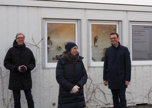 Künstler Gerhard Skok schließt an Martina Feichtingers Ausstellung an. Eröffnet wurde im Beisein von Initiatorin Verena Leija und Bürgermeister Markus Giesinger. Mäser