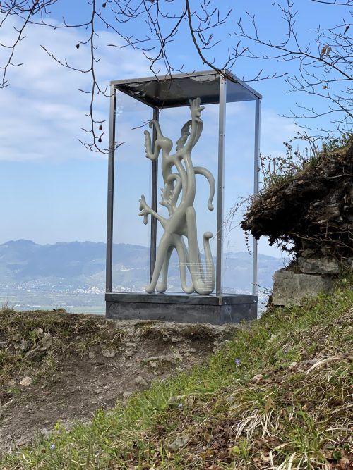 """Mario Dalpras Skulptur """"Die Unbefleckte"""" ist ab dem heutigen Freitag zu sehen."""