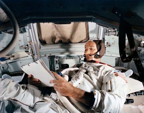 Michael Collins flog zum Mond, betrat ihn aber nicht. Reuters/Nasa handout