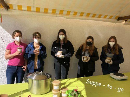 """Mit der Aktion """"Suppe to go"""" sammelten die Brazer Firmlinge Spenden.DOB"""