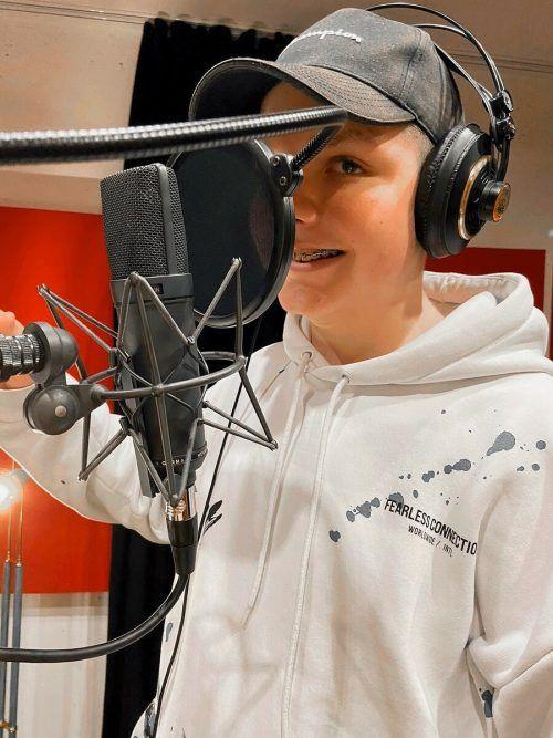 Musikalische Jugendliche aus Hohenems nahmen ein Lied auf.OJAH