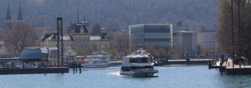 Nach Ankündigung der BSB, die Kursschifffahrt später zu starten, setzen auch die Vorarlberg Lines den Linienverkehr aus. Sonderfahrten – wie zu Ostern mit Alpenstadt Bludenz (Bild) und Stadt Bregenz – finden weiterhin statt. stp