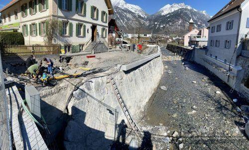 Nachdem die Arbeiten im Bachbett abgeschlossen sind, wird aktuell an der Umlegung des Alviergässle gearbeitet.VN/JS