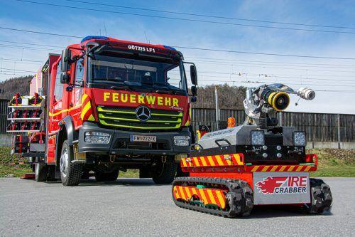 Neben einem Löschfahrzeug samt Containerladesystem ist auch ein Löschroboter in die Feuerwehrgarage eingezogen. Ein Rüstlöschfahrzeug soll 2022 folgen. Feuerwehr Götzis