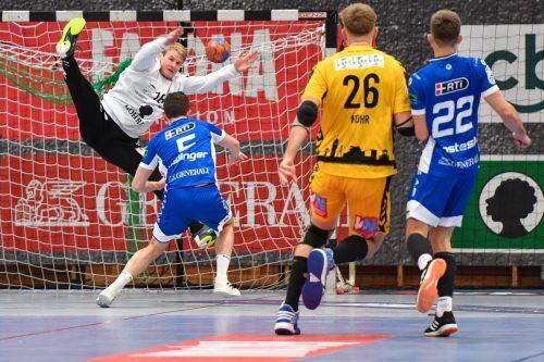 Paraden von Ralf-Patrick Häusle sind gefragt, damit Bregenz gegen Linz zwei Punkte in eigener Halle holt. VN/Stiplovsek