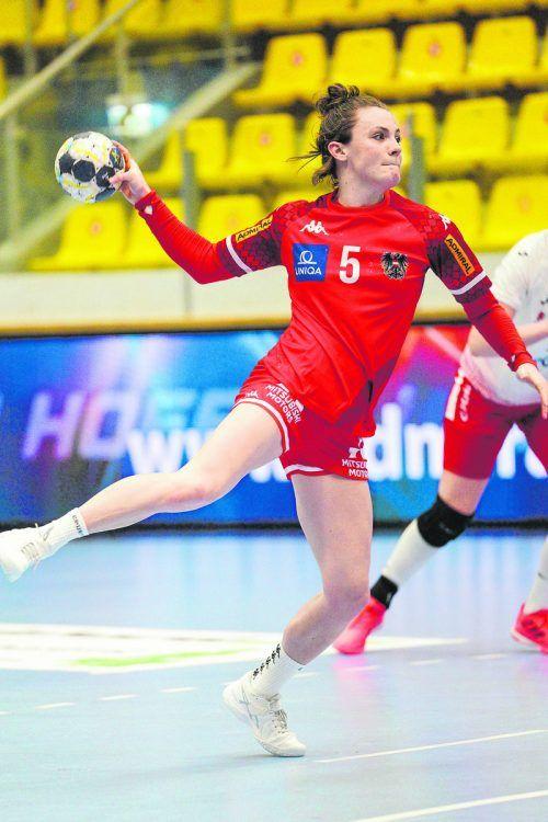Sonja Frey agierte beim 29:26 in Polen überragend und warf zehn Tore.gepa