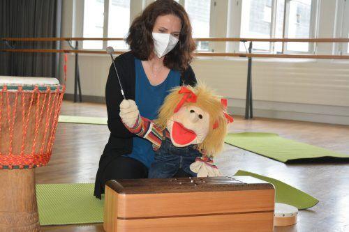 Susanne Kanonier und Lotte begeistern Kinder für Musik.bvs (2)