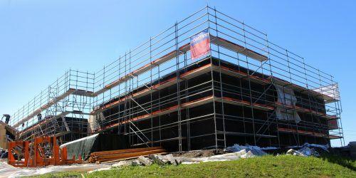 Der Rohbau des Jesuheims in Lochau wurde in nur zwei Tagen aufgebaut. Derzeit werden Stiegenhäuser, Verbindungselemente usw. fertiggestellt.