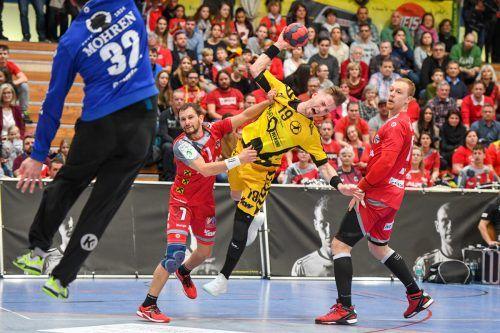 Ab Sommer Teamkollegen: Luca Raschle (l.) und der zukünftige Rote Teufel Nico Schnabl.GEPA