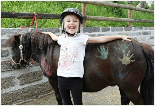 Alles rund ums Pferd lernen Kinder auf dem Saminahof.K.Girardelli/ Wirtschaft im walgau/ Global English Teaching Academy