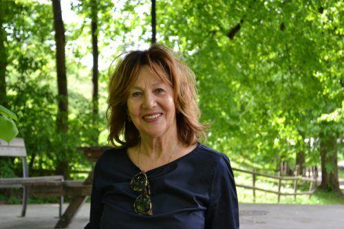Autorin Evelyn Brandt will mit ihrer Schreibbegeisterung anstecken.Bischof