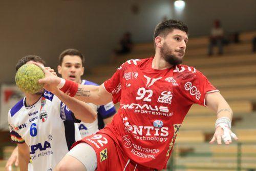 Bärnbach-Kreisläufer Jadranko Stojanovic erzielte sieben Tore beim 29:27-Erfolg der Steirer gegen seinen zukünftigen Arbeitgeber Alpla HC Hard.GEPA