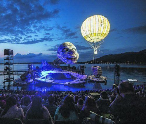 """Beim Publikum sehr begehrt und deshalb hoffentlich ohne Besucherbeschränkung aufführbar: """"Rigoletto"""" auf der Seebühne. VN/Sams"""