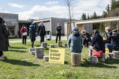 Bürgermeister Thomas Lampert führte die Jury im Frühjahr durch seine Gemeinde Göfis. Landluft