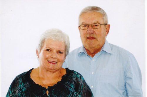 Dankbar und zufrieden blicken Vroni und Sepp auf 50 gemeinsame Jahre zurück.