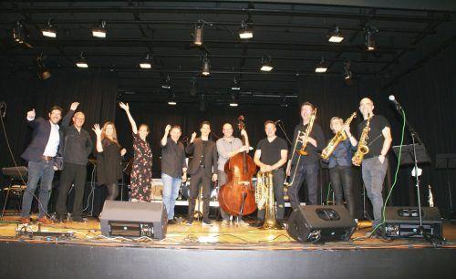 Das Lehrerkollegium der tonart.musikschule bot dem Publikum in der DorfMitte einen besonderen Musikgenuss.Pezold