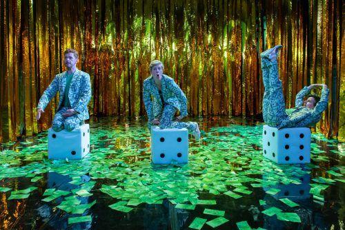 """Das Stück """"Kind.Erbe.Reich"""" ist eine neue Produktion des Ensemble dieheroldfliri, das nun zur Aufführung gebracht werden kann. stark"""