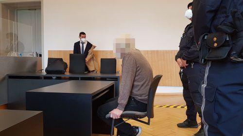 Der Angeklagte hatte allerlei Ausflüchte zu bieten. ECKERT