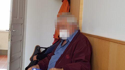 Der angeklagte Rentner und seine Ehefrau nahmen das Urteilnicht an. ECKERT