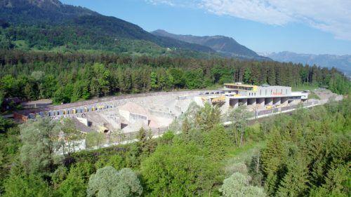 Der Betriebsstandort des Nenzinger Recyclers soll kräftig ausgebaut und mit einer Anschlussbahn versorgt werden. VN/ikp