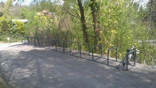 Insgesamt stehen in den Zugangsbereichen nun 60 Abstellplätze zur Verfügung. Stadt
