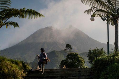 Der Merapi auf der Insel Java, Indonesiens aktivster Vulkan, spuckt wieder Asche und Rauch. AFP