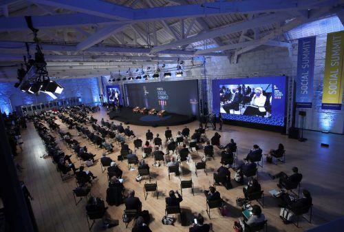 Der zweitägige Gipfel findet in Porto statt. Reuters