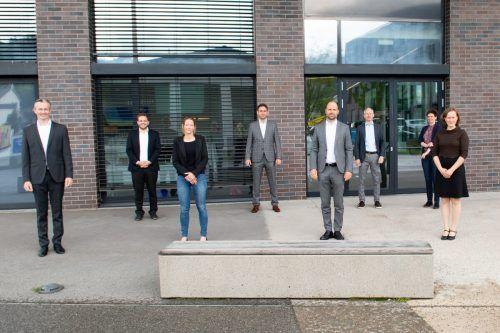 Die Abteilungs- und Geschäftsfelder-Verantwortlichen mit Aufsichtsratschef Marco Tittler und GF Joachim Heinzl.VLK/Serra