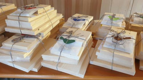 Die Bastelpakete sorgten für Begeisterung in Bezau und Reuthe.