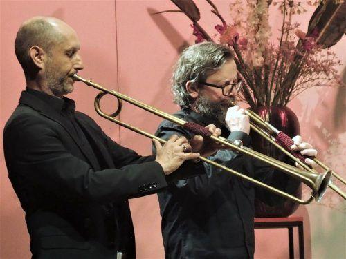 Die beiden Barocktrompeten im Ensemble wurden geblasen von Organisator Bernhard Lampert (l.) und dem Leiter dieses Programmkonzepts, Herbert Walser-Breuß. ju