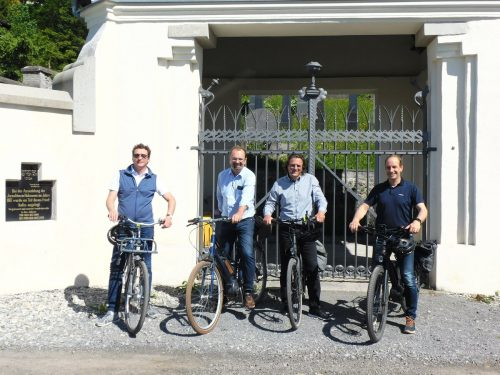 Die Bürgermeister Gerd Hölzl, Rainer Siegele, Markus Giesinger und Dieter Egger nahmen an der Radausfahrt teil.