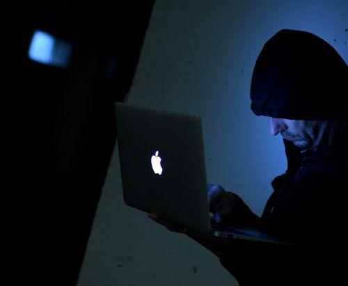 Die Chatplattformen, die mindestens seit Mitte 2019 existierten, wurden nach den Razzien sofort abgeschaltet. apa