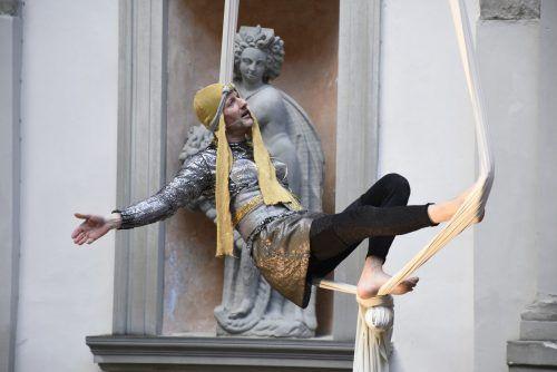 Die deutsche Theaterfirma brachte die Nibelungensage zurück nach Hohenems und Christoph Bochdansky ließ es schaurig angehen. homunculs/boeckle