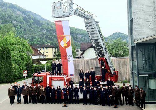 Die jungen Feuerwehrleute bestanden den Wissenstest, den sie dieses Mal im eigenen Feuerwehrhaus ablegten.mima
