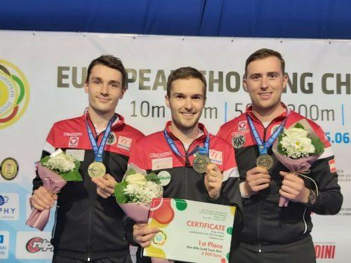 Die neuen Europameister in der Kleinkaliber-Mannschaft (v. l.): Patrick Diem, Thomas Mathis und Gernot Rumpler.ÖSB /Melmer